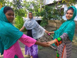 Bangladesh Sosteniamo le ragazze e i ragazzi nello studio a casa